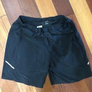 Men's exercise shorts in black